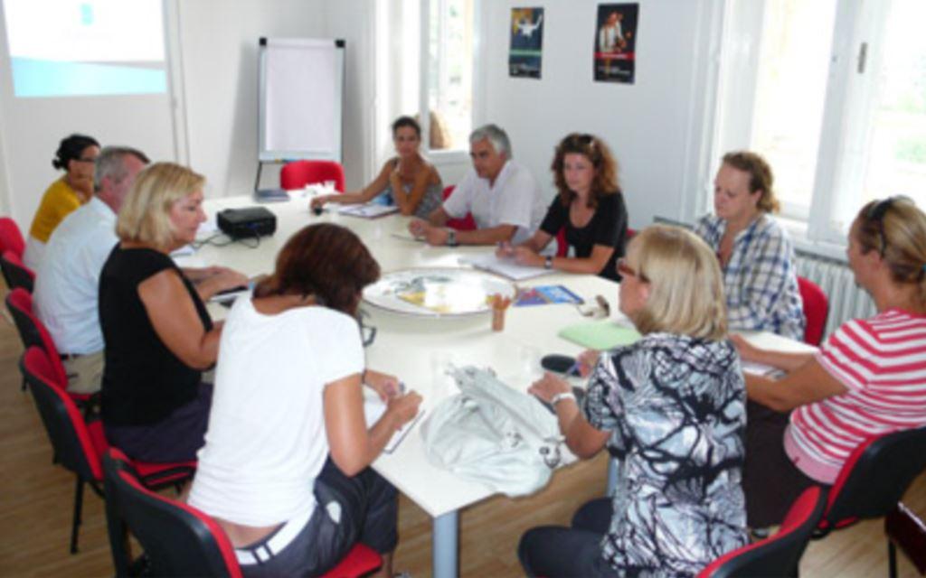 Sastanak predstavnika upravnih odjela i Razvojne agencije Grada Dubrovnika DURA-e o stvaranju baze razvojnih projekata Grada Dubrovnika u svrhu kandidiranja na fondove EU