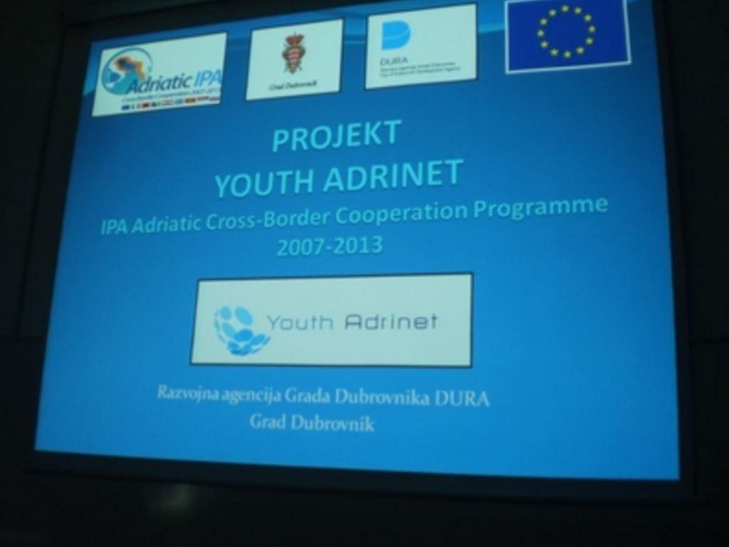 """U sklopu Youth Adrinet projekta održana javna tribina na temu  """"Koliko su mladi uključeni u kreiranje i odlučivanje o sadržajima javnog života"""""""